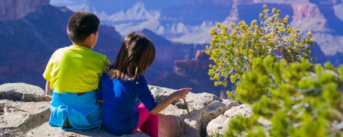 Fun Activities to Keep Kids Busy While Traveling